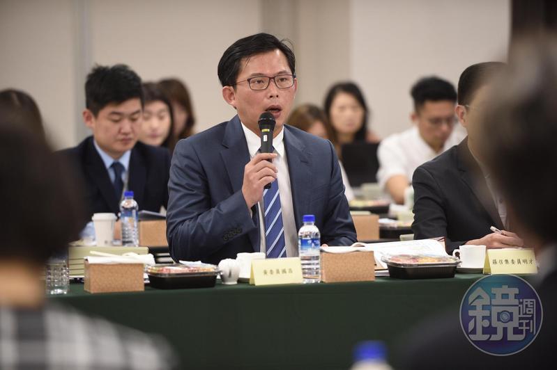 時代力量立委黃國昌批評李佳芬家族將「國家當作我家」。(本刊資料照)