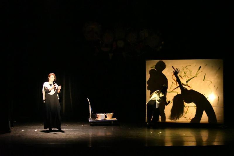 綠光劇團推出音樂劇《不專業許願池》,方宥心(左)挑戰100分鐘唱跳。(綠光劇團提供)