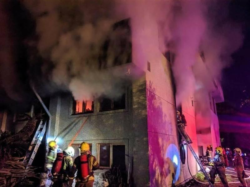 台南玉井一貫道修業場今凌晨傳出縱火案,大火無情奪走7人性命。(翻攝自爆料公社)