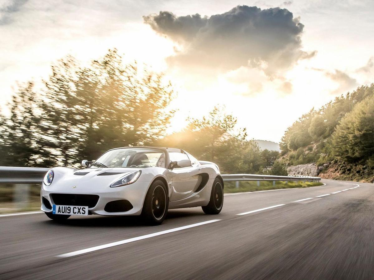 《Lotus Elise Sport 220》建議售價269萬元起。