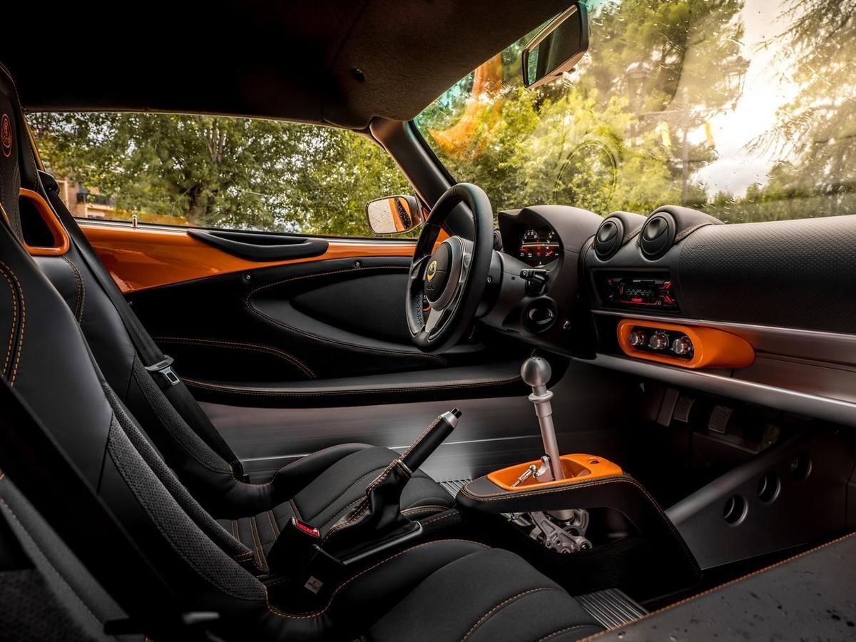 Lotus Exige Sport 350內裝特寫。