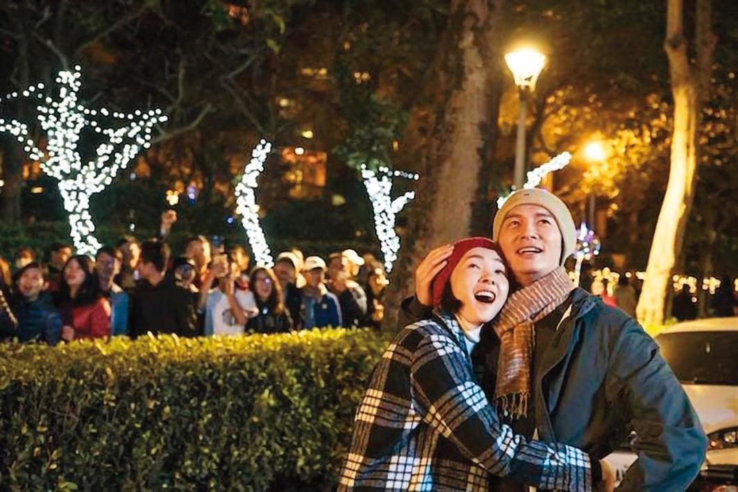 曾珮瑜在《雙城故事》中,和溫昇豪大談浪漫戀情,兩人因此戲獲得不少粉絲關注。(翻攝自曾珮瑜IG)