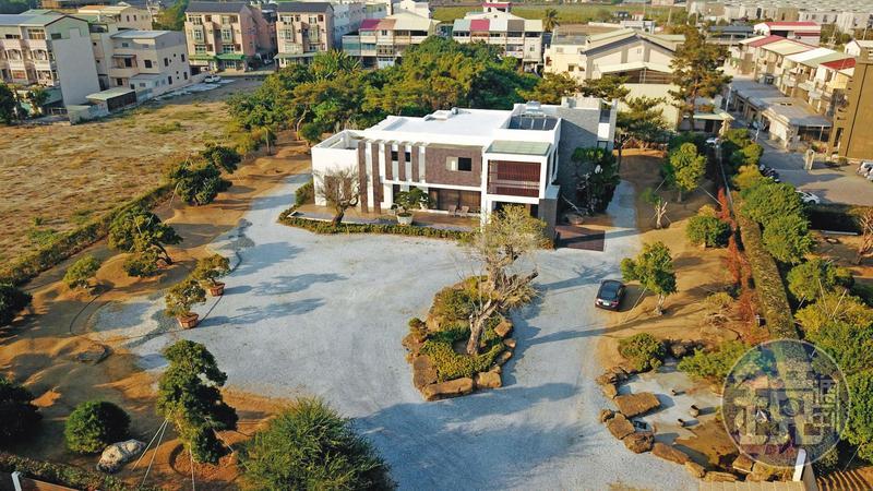 張榮味位於虎尾青埔的超豪華農舍,被稱為「青埔宮」。
