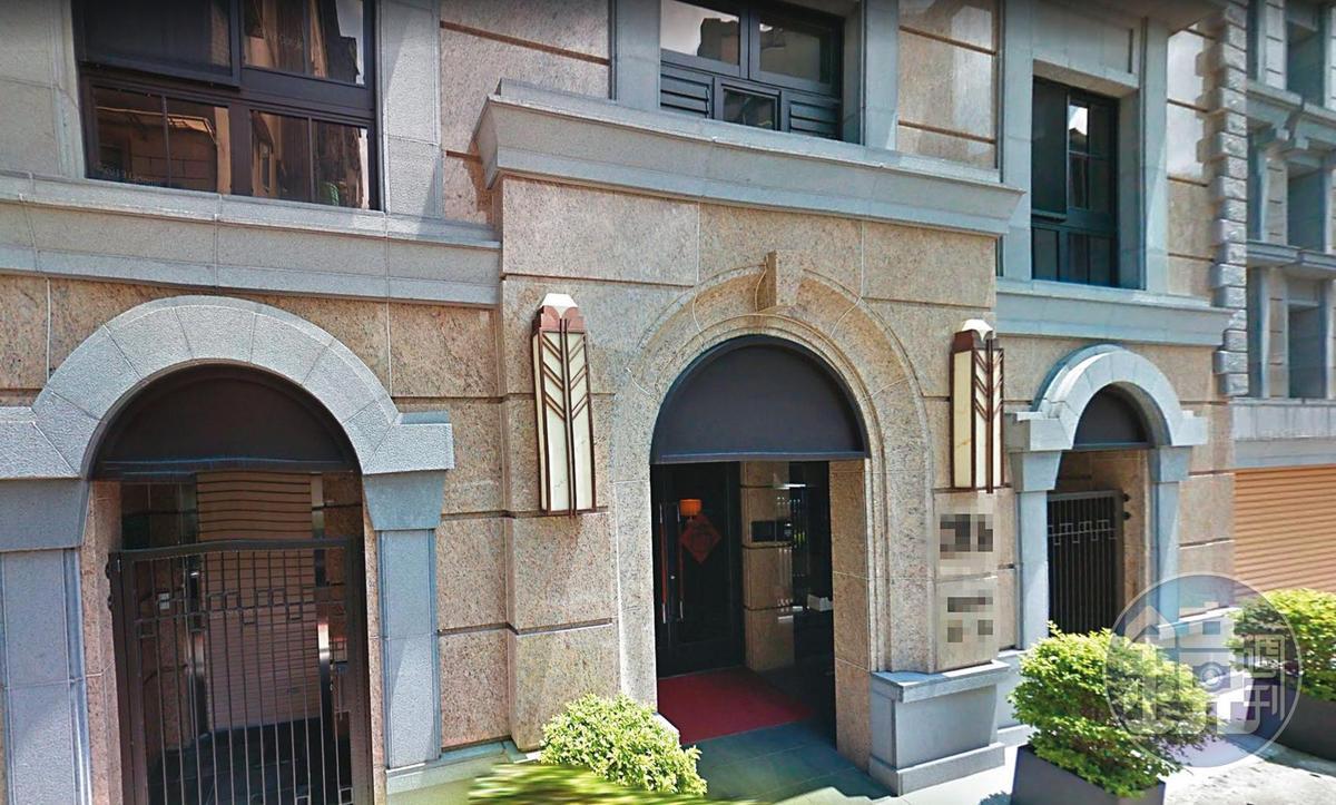 根據資料顯示,許瑋甯的新家建坪含車位,大概52坪左右,單價在百萬元上下。