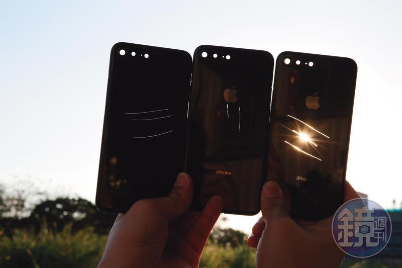 X先生出示iPhone背板上的傷痕,並指出這些傷痕都是人為造成的,如此才能將背板以不良品名義買下。