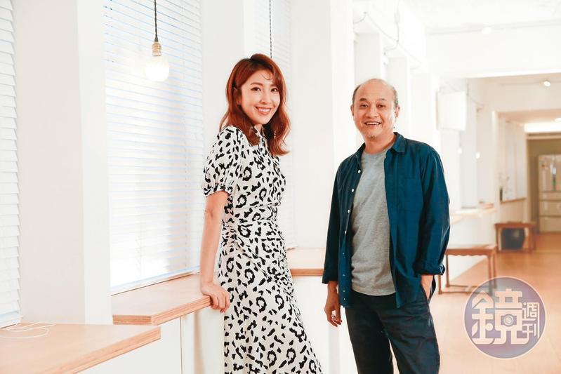 鄭文堂(右)首次與楊謹華(左)合作,一見面就確認她是飾演報社政治組主任的不二人選。