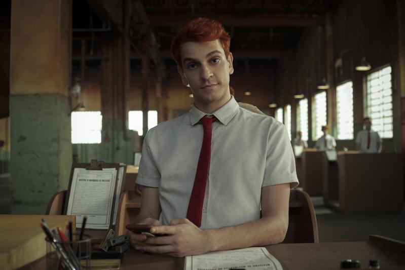 烏利是天使總部近300年來,第一位新來的菜鳥天使,他滿腦子有自己的想法,根本不在意各種規範。(Netflix提供)