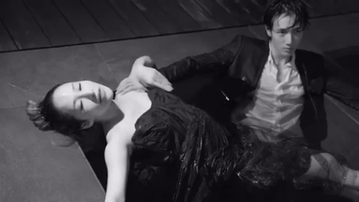 蕭亞軒在新歌MV中,與男友黃皓甜蜜入境。(翻攝自蕭亞軒臉書)