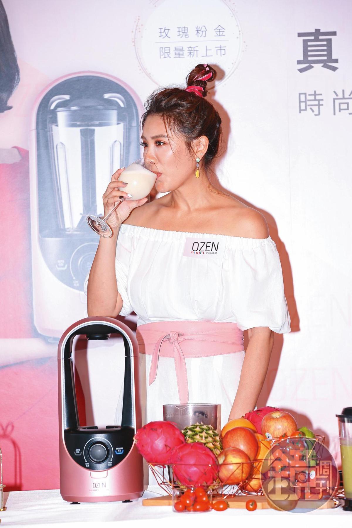 小禎因瘦身成功,成為婦女瘦身偶像,也經常代言減肥相關產品。