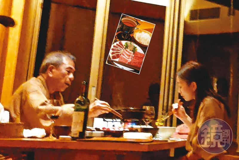 12/15 18:30 第1天晚上,2人在溫泉旅館包廂吃火鍋。