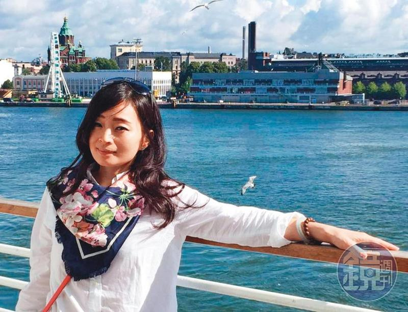 陳女常在臉書貼出國旅遊的照片。(翻攝自臉書)