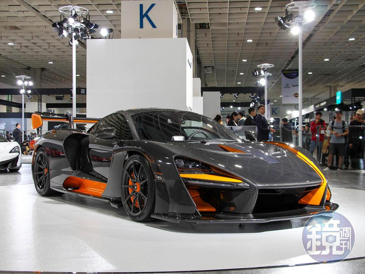 這輛經過選配後身價近億元台幣的McLaren Senna是本次車展市售車款身價最高的。
