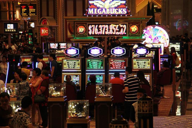澳門賭場一景。澳門博弈產業收入佔了當地政府歲收八成。(網路截圖:pixabay)