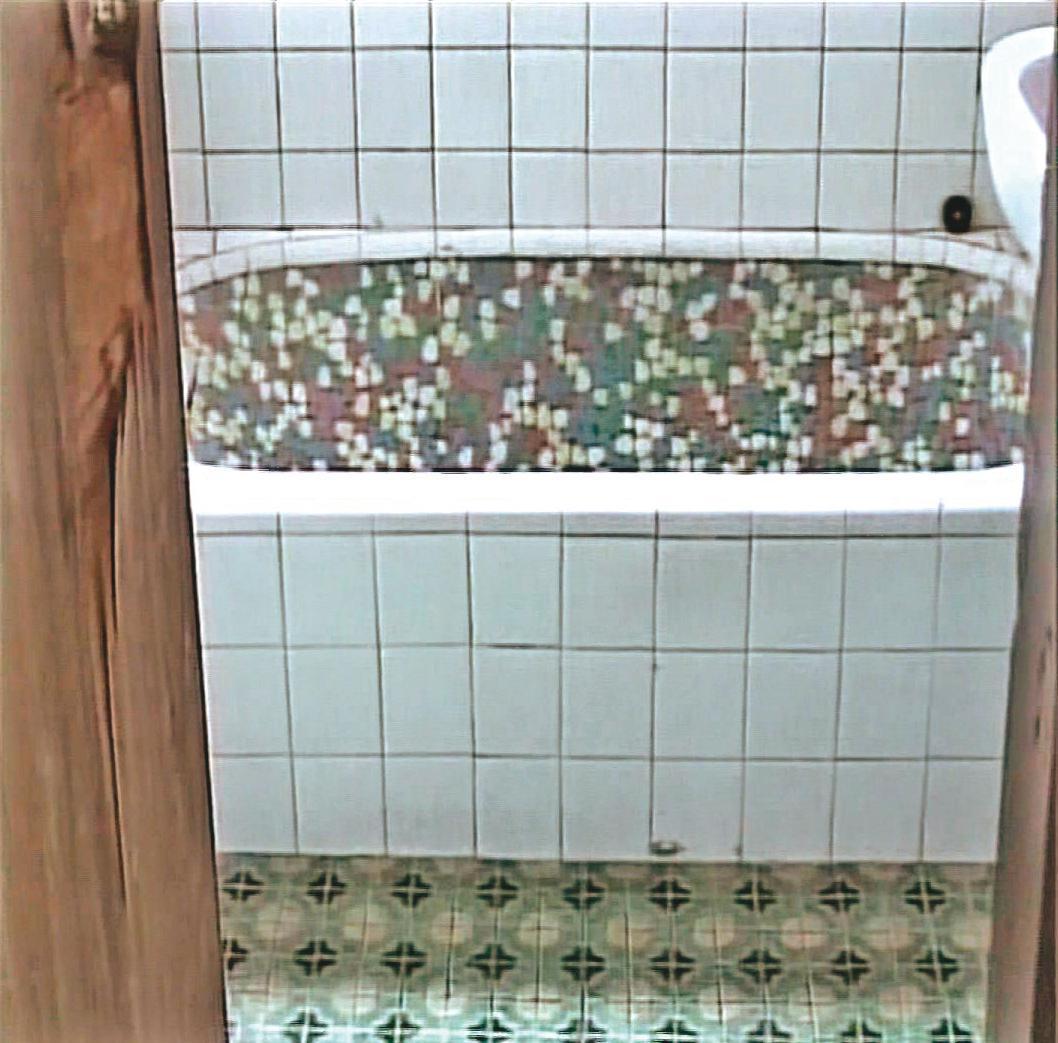凶手勒斃陳美莉後,將她泡在裝滿水的浴缸中。(東森新聞提供)