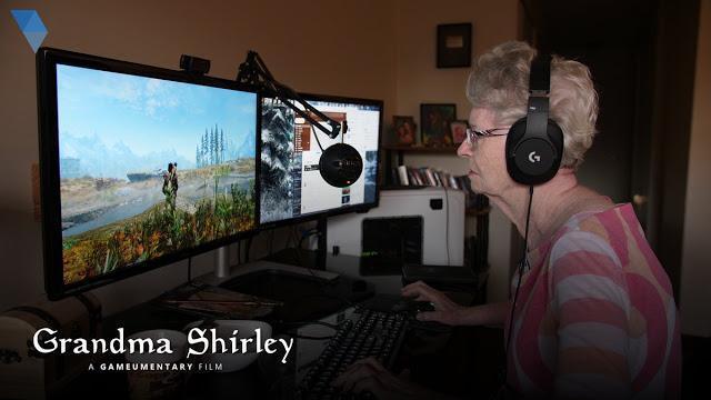 「上古卷軸阿嬤」雪莉熱愛電玩。(翻攝 Gameumentary YouTube 社群)