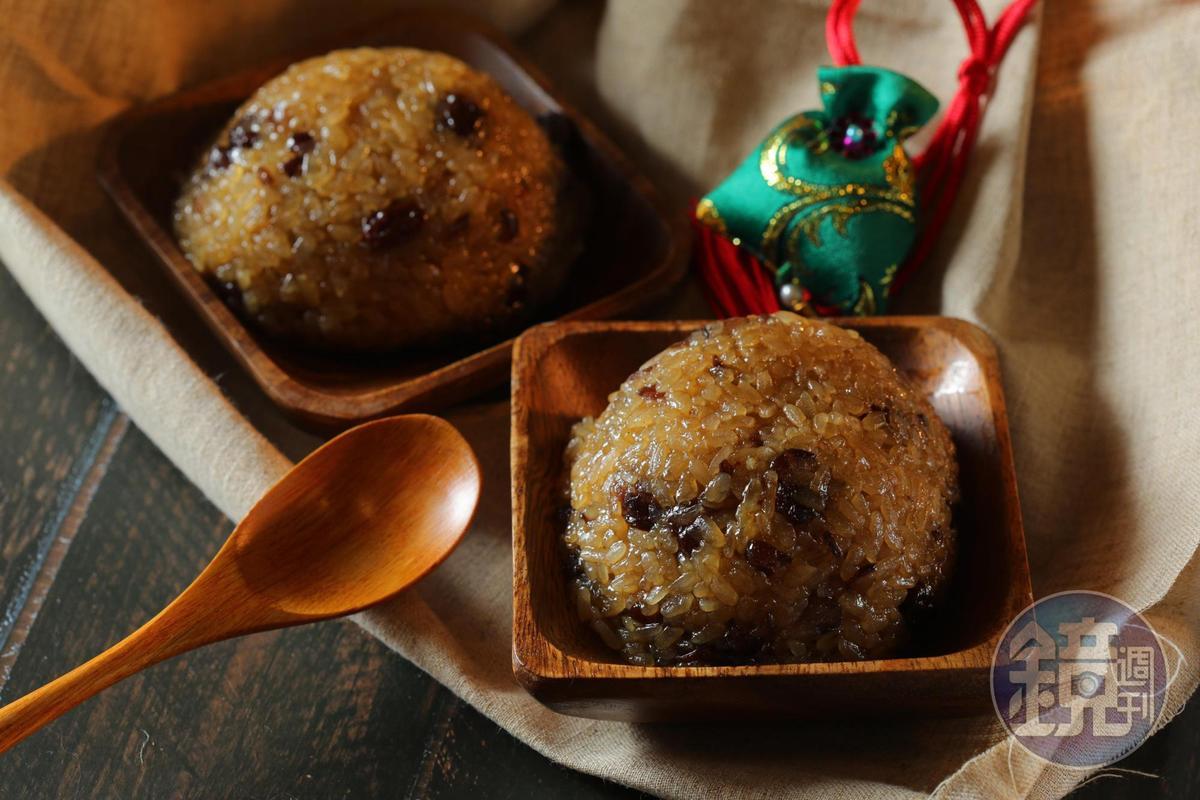 「米糕」蜜甜軟糯,吃得到紅糖的香氣。(30元/個)