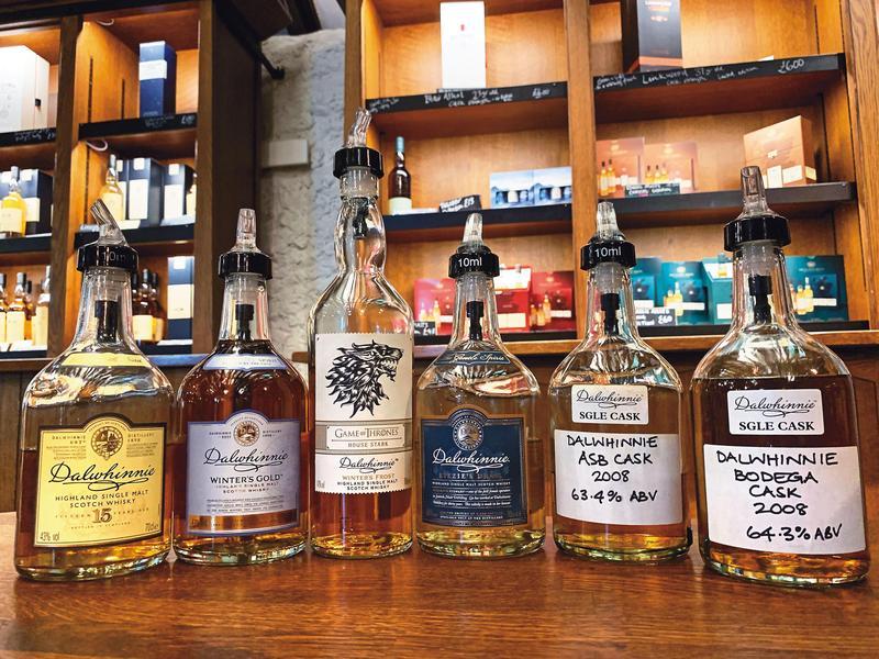 6款品飲酒款達維尼15年(左起)、達維尼Winter's Gold、冰與火之歌House Stark、達維尼Lizzie's Dram、達維尼2008單桶、達維尼2008雪莉單桶。