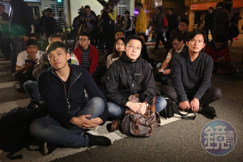 陳為廷(左)、林飛帆(中)、黃國昌(右)是太陽花學運緊密戰友,如今各有不同政治選擇。