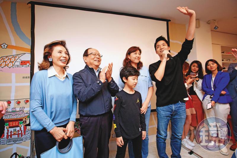 這次在「雙帥對決」勝出的蔣萬安,得票比上屆還增加2萬,被點名可挑戰黨主席。