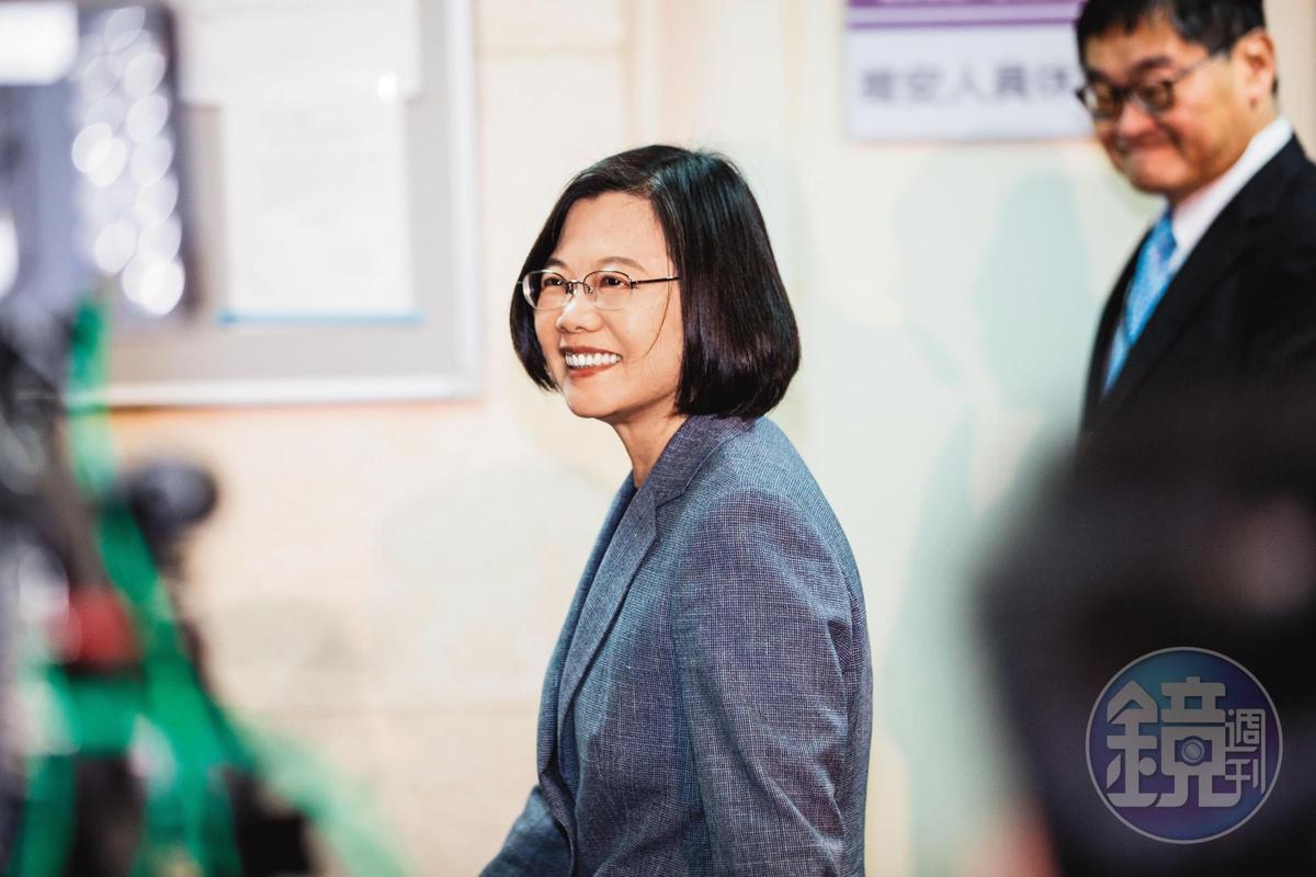 蔡英文在演說常以「台灣隊長」自稱,她在LINE帳號感謝選民支持,表示自己會「再辣4年」。
