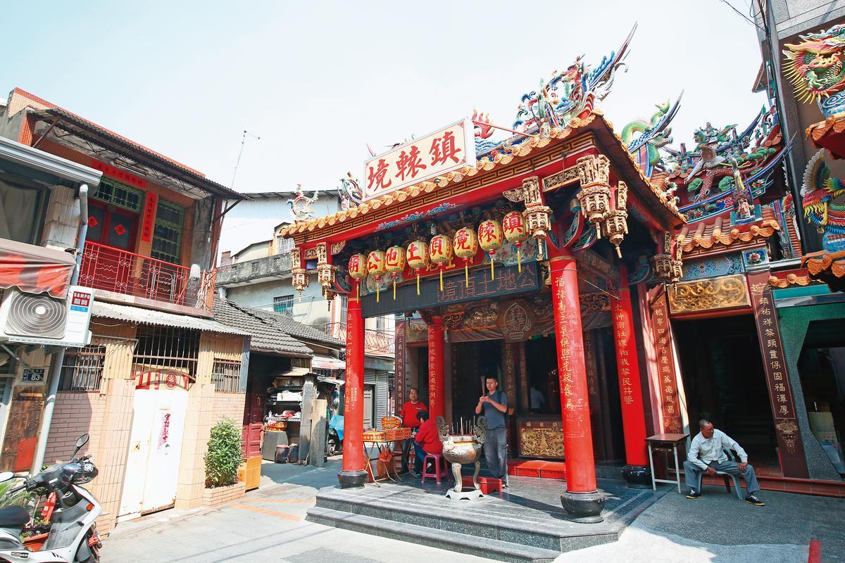 頂土地公廟是清朝官建祠宇,有近280年的歷史。