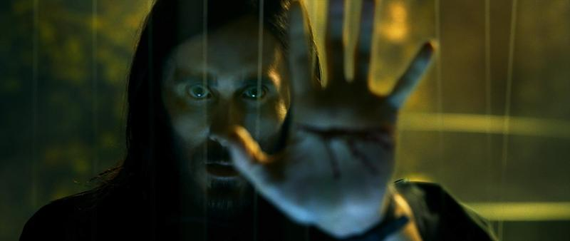 傑瑞德雷托沒辦法再演小丑,改頭漫威宇宙演出《魔比斯》。(索尼影業提供)