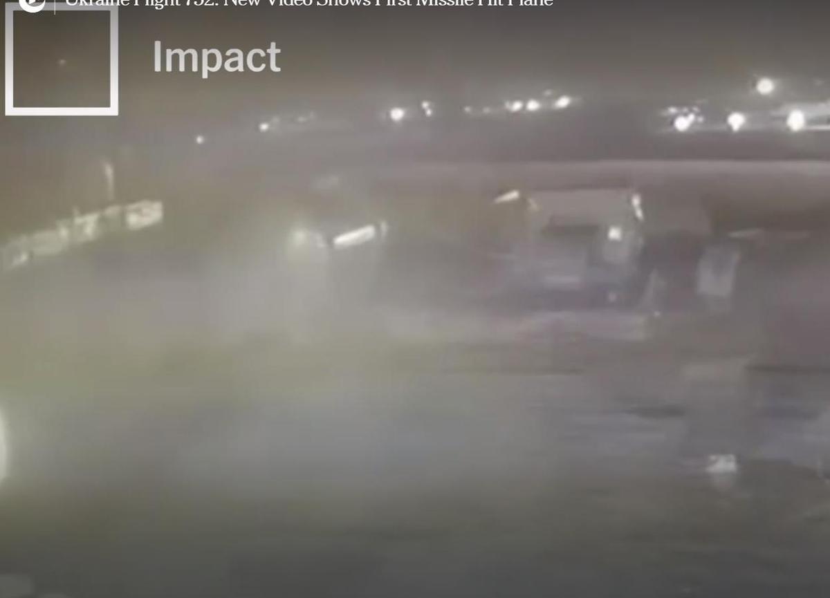 客機先後遭到2枚飛彈擊中後,駕駛曾試圖折返德黑蘭機場,但相關動力及零件實在受到嚴重破壞,最終在機場附近墜毀。(翻攝自紐約時報)