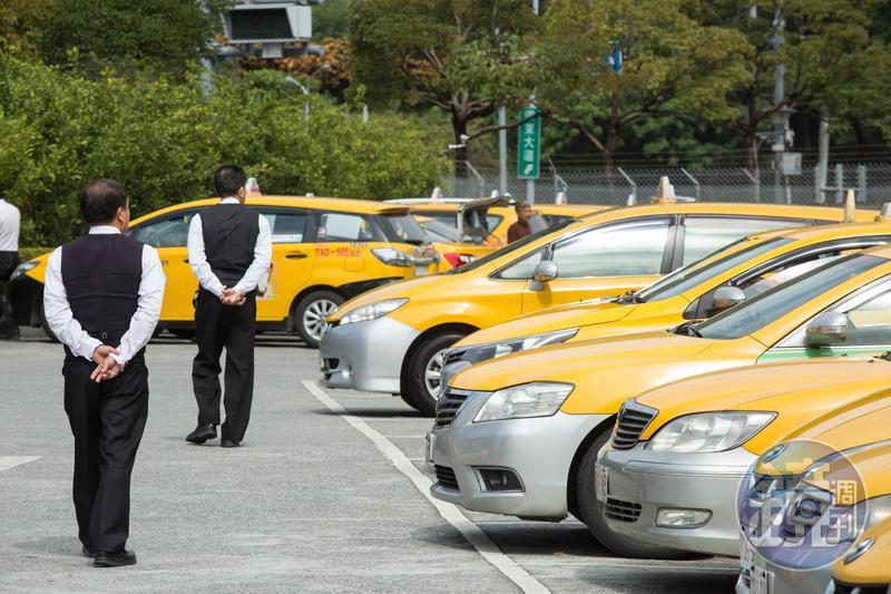 春假連假期間前後,全台計程車會加收費用。