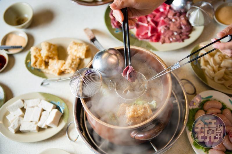 天冷了,許多台灣民眾都會吃薑母鴨或羊肉爐。