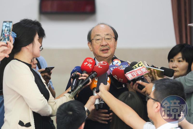 柯建銘證實昨(15日)接到國民黨中常委呂學樟電話,詢問他民進黨代理主席細節。(資料照)