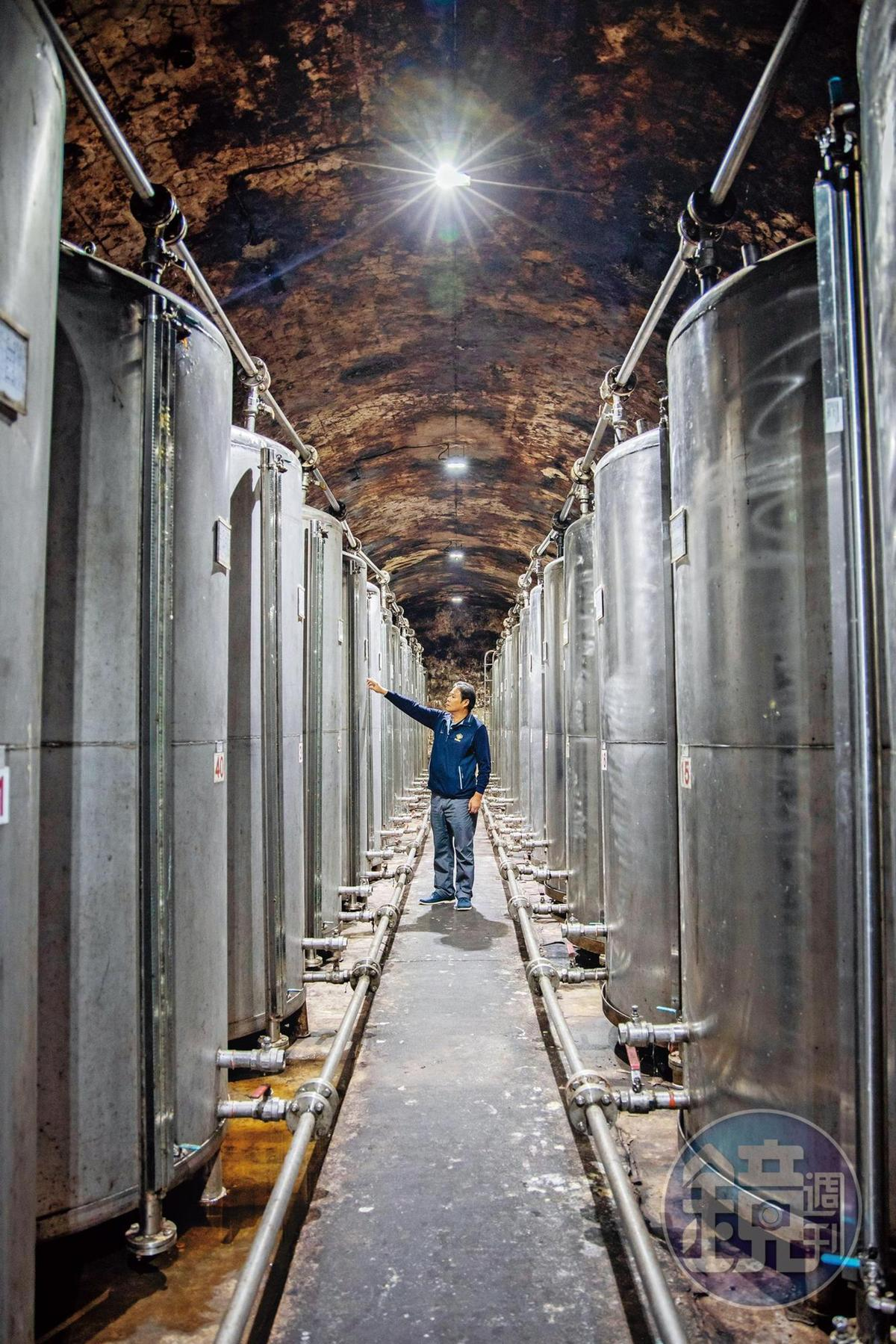 八八坑道的內坑道裡儲存40萬公升的高粱。