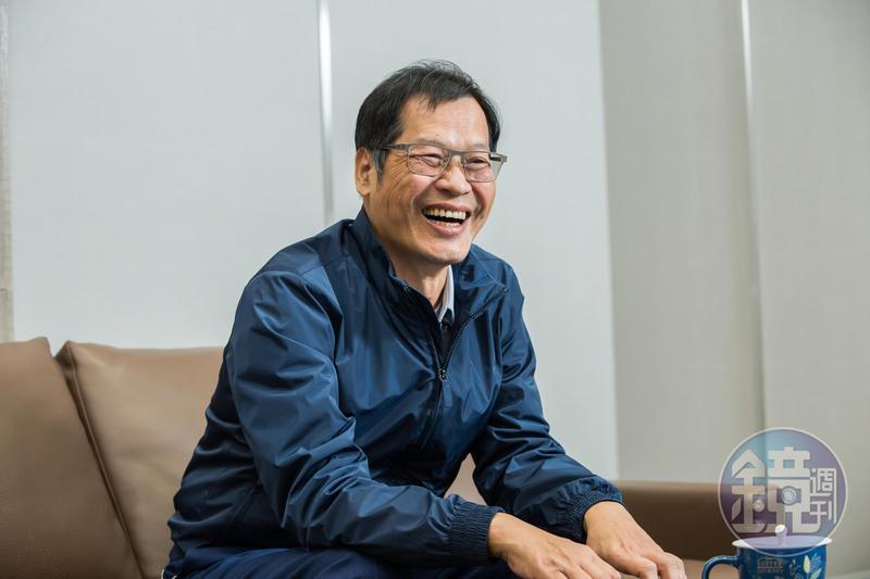廣州百腦匯的地,是許崑泰和一位對岸國營事業的總經理,喝了好幾天成為好朋友以後,才買到的。