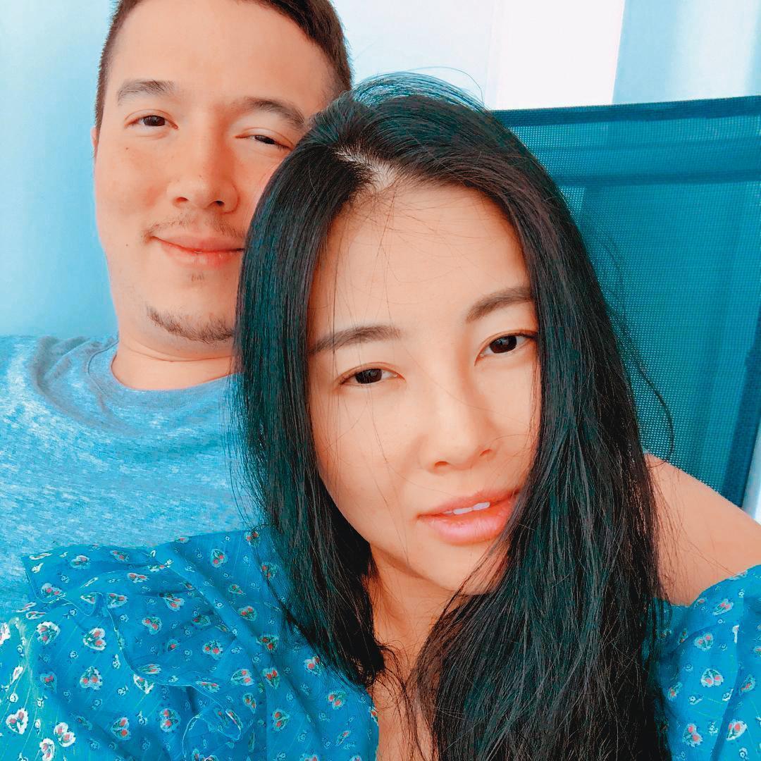 多年前在名媛風潮大起的台灣,孫氏名媛姐妹趁勢崛起,然後孫瑩瑩以她大風大浪的婚姻生活為最。