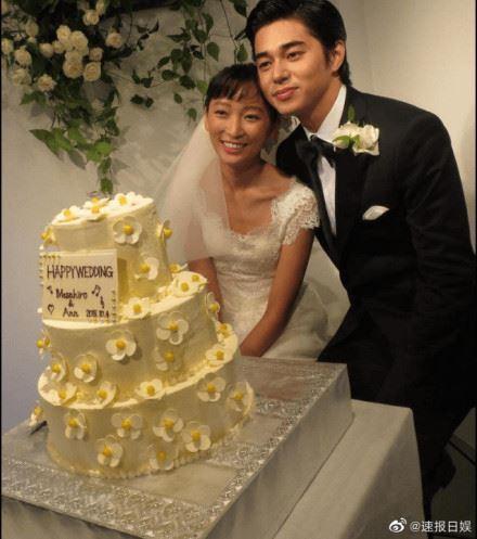 東出昌大與渡邊杏於2015年結婚,婚後育有二女一子。(網路圖片)