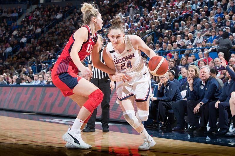 布萊恩專注於技術和苦練的籃球哲學,啟發了許多身高矮人一截的女籃球員。(UConn Women's Hoops推特)