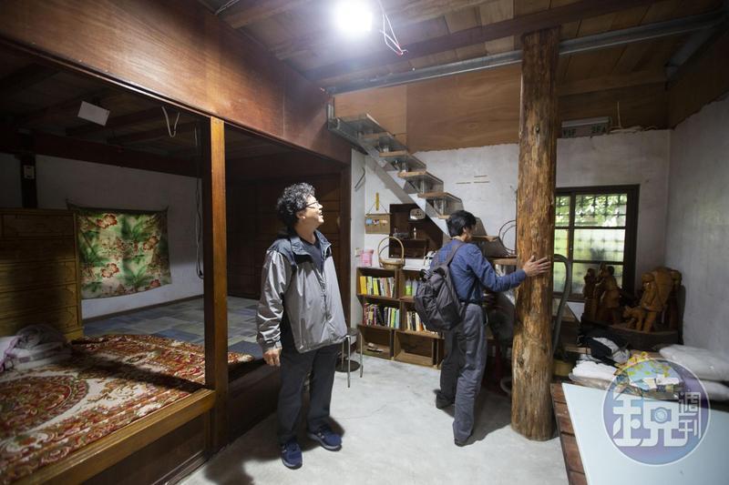 在經費不足、硬體拮据的狀況下,馬躍(左)仍堅持去年9月開辦部落河邊教室。
