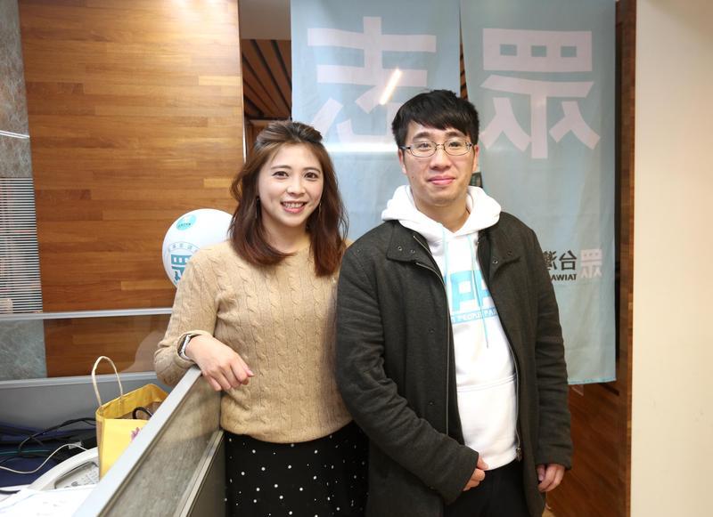 台灣民眾黨發言人陳思宇(左)、立委落選人朱哲成(右)都將進入國會擔任助理。