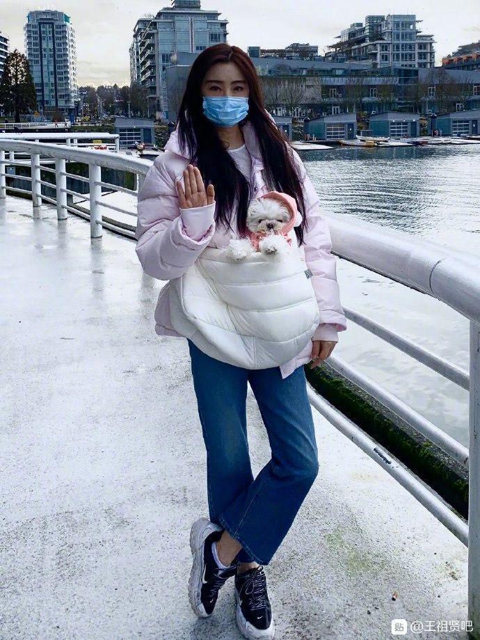 今日即便是王祖賢53歲生日,但她心繫武漢肺炎疫情發展。(翻攝自王祖賢貼吧微博)