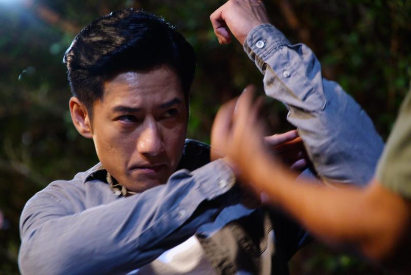 周孝安在《國際橋牌社》扮演總統府侍衛,為戲勤練八極拳。(friDay影音提供)