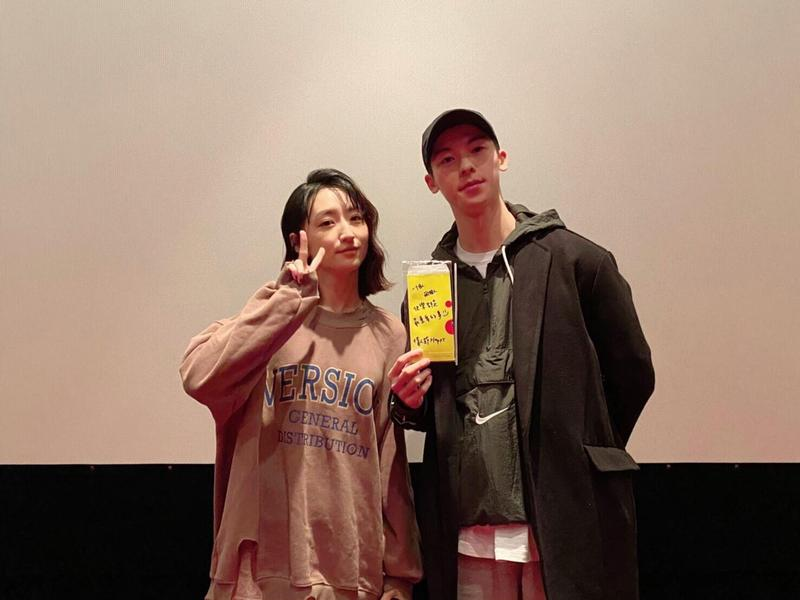 最近人氣狂飆的許光漢與其餘《想見你》劇組成員特別衝戲院支持柯佳嬿主演的《你的情歌》。(甲上)