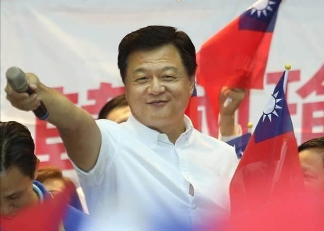 周錫瑋痛批政府防疫政策荒腔走板,更狠酸「民進黨高官是在哈囉?」(翻攝自周錫瑋臉書)