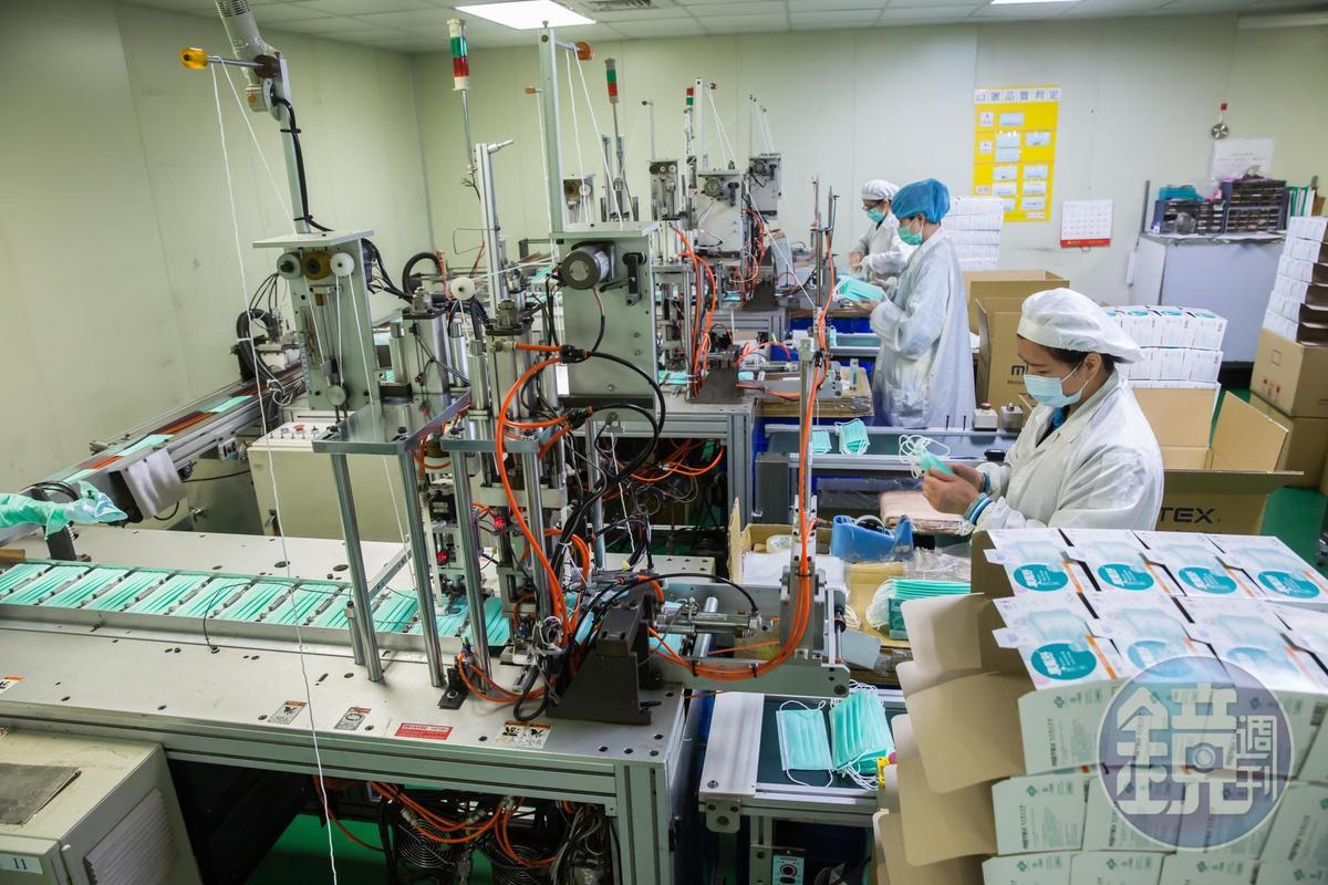 因應武漢肺炎,華新的工廠自年節開始趕工,預計擴增產線。