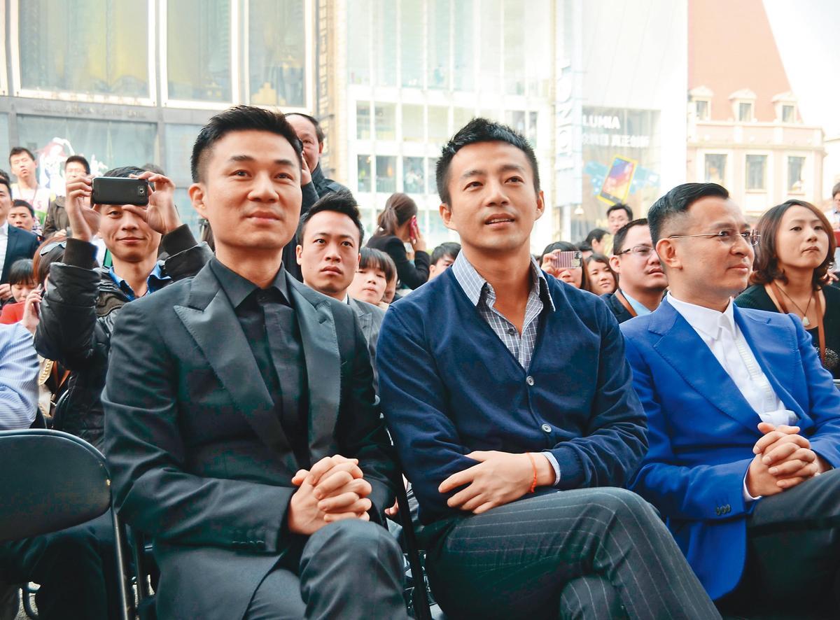 汪小菲(右)算是比許雅鈞(左)還熱愛在社群網站大肆發言,而且不避許觸及兩岸議題而導致爭議。(東方IC)