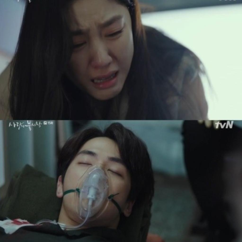 金正鉉因為中槍送醫,徐智慧崩潰大哭。(翻攝自tvN)
