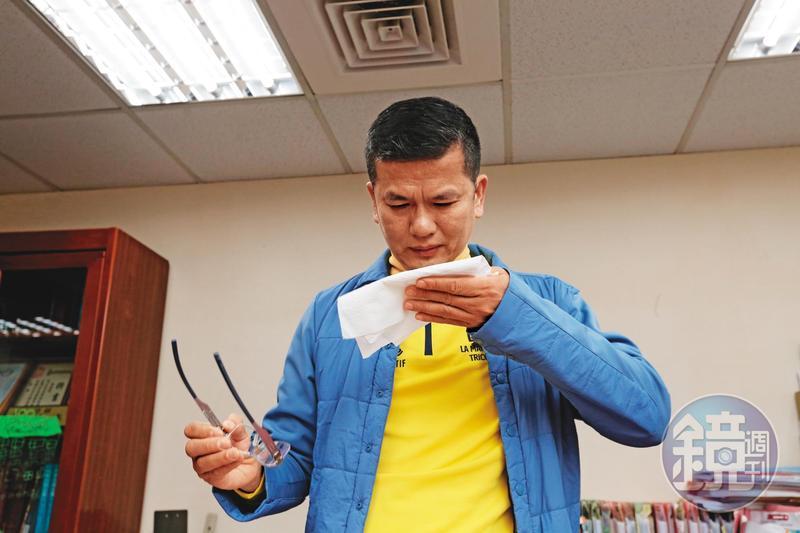 三發董座鍾俊榮泣訴遭妻兒設局,被困在北市松德醫院精神科重症病房內10天。