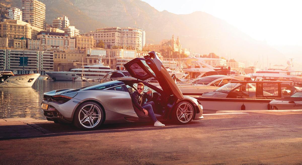 李進良開的麥拉倫跑車,要價新台幣1,620萬元起跳,過往他代步的車子也幾乎都是跑車。(翻攝自McLaren官網)