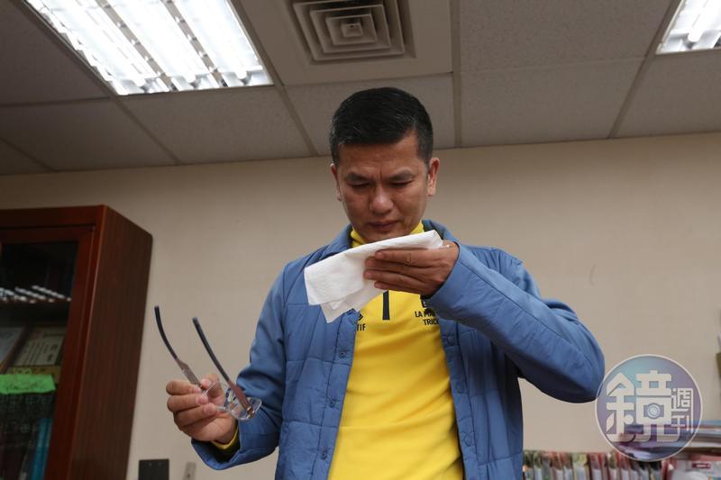 三發董座鍾俊榮泣訴遭妻兒設局,被困在松德醫院精神科重症病房內10天。