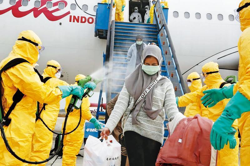 印尼至今宣稱零確診,從武漢接回的僑民都已結束隔離期返家,但政府卻坦言根本未採檢,引發疑慮。(達志影像)