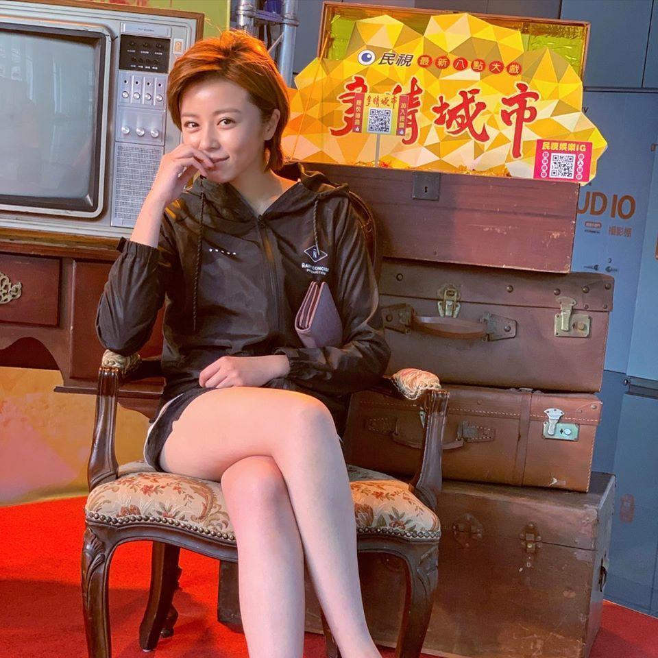 王瞳在情人節開工,等待公司安排戲劇演出。(翻攝自王瞳粉專)