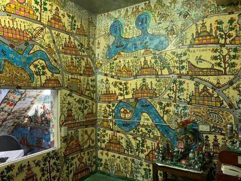 屋內處處畫好畫滿,宛如古埃及藝術。(翻攝自于永傑臉書)